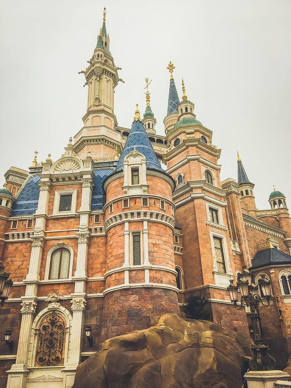 shanghaidisney_storybookcastle_exterior4