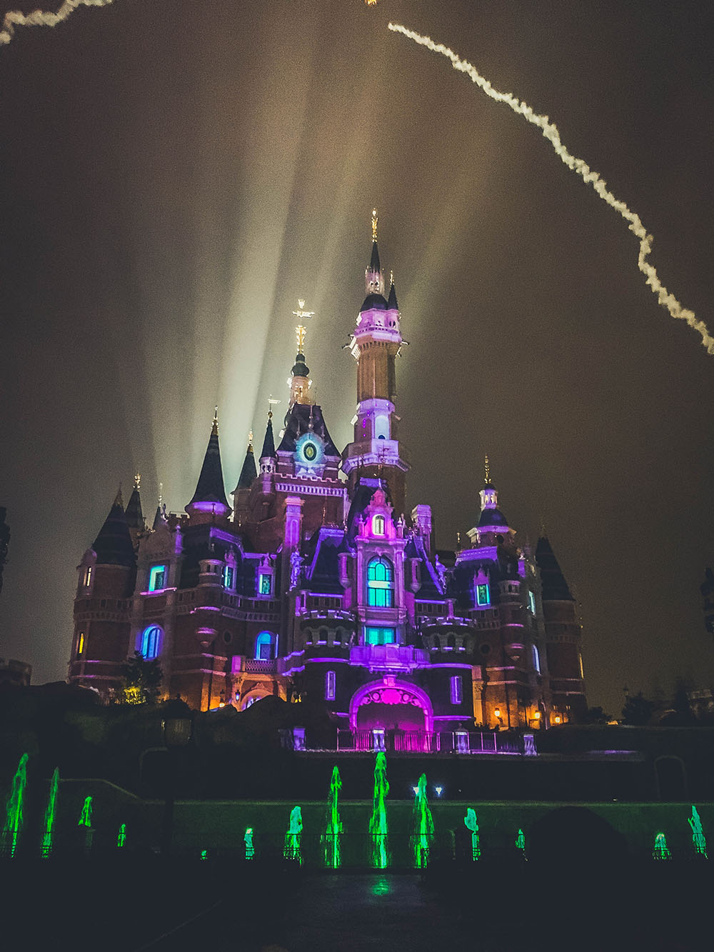 shanghaidisney_castlefireworks7