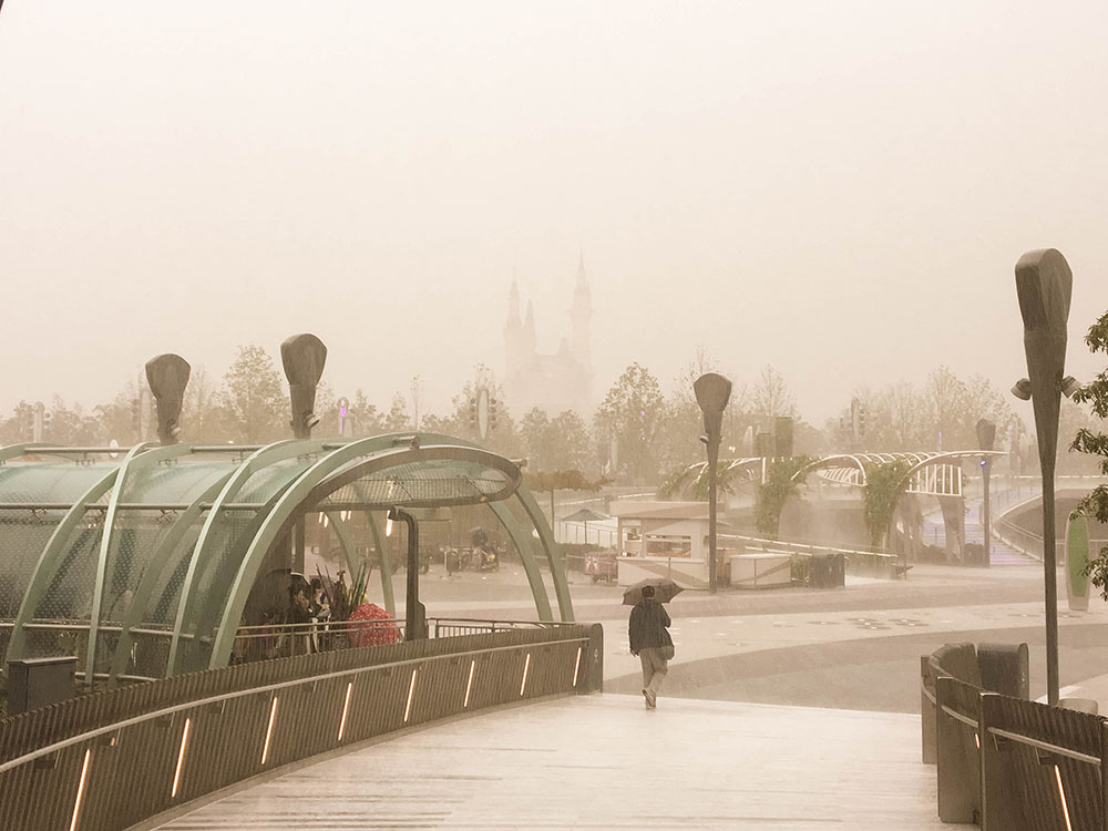 shanghaidisney_rain