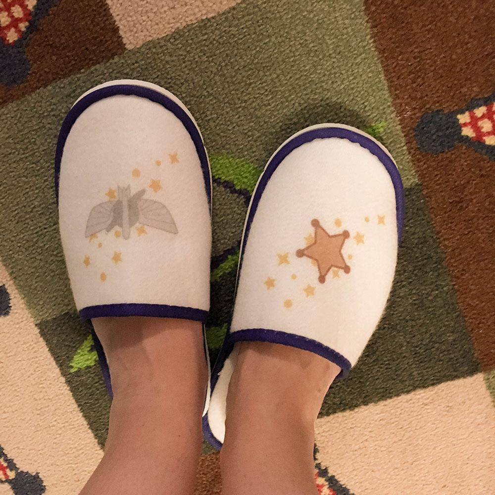 shanghaidisney_topstoryhotel_slippers