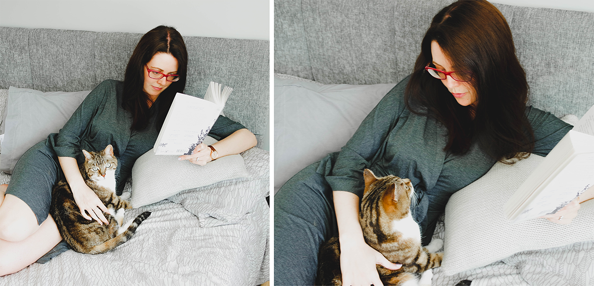 relaxing reading, reading in bed with cats