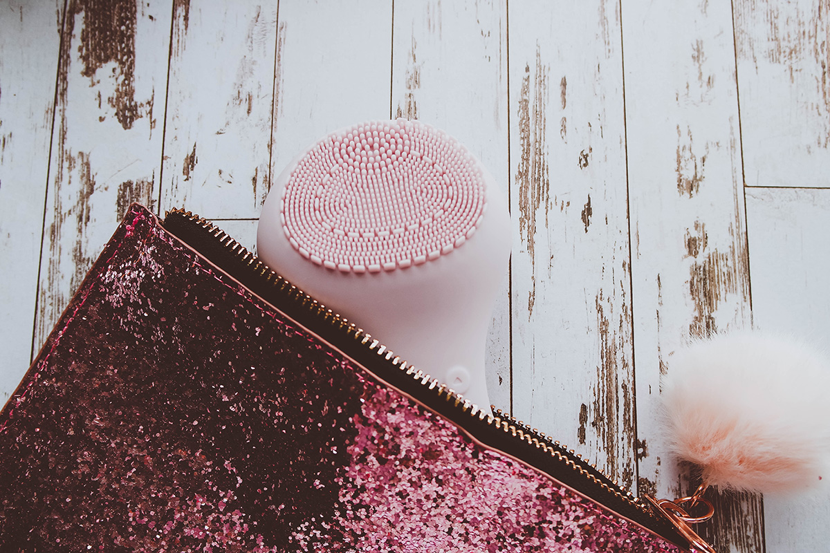 SENSSE Silicone Facial Cleansing Brush Glitter Pouch