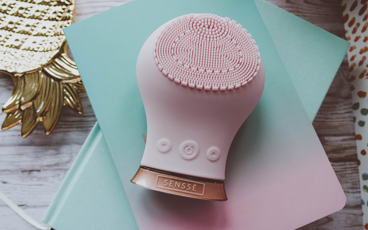 SENSSE Silicone Facial Cleansing Brush*