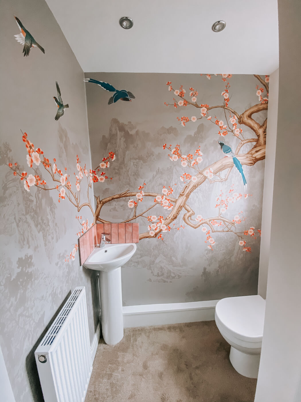 Photowall wallpaper Birds heights - Pearly insitu within my downstairs cloackroom
