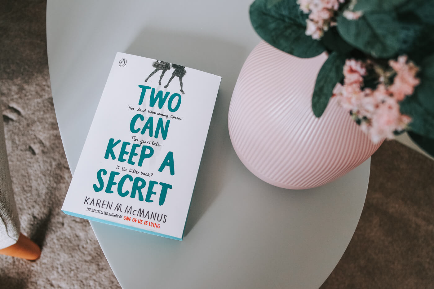 two can keep a secret my karen mcmanus book cover